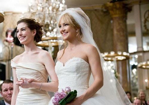 Robes de mariée dans La guerre des mariées
