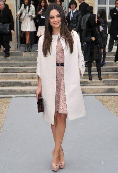 Mila Kunis Chaussure nue