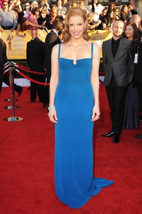 Jessica Chastain en robe bleu à 18ème SAG Awards