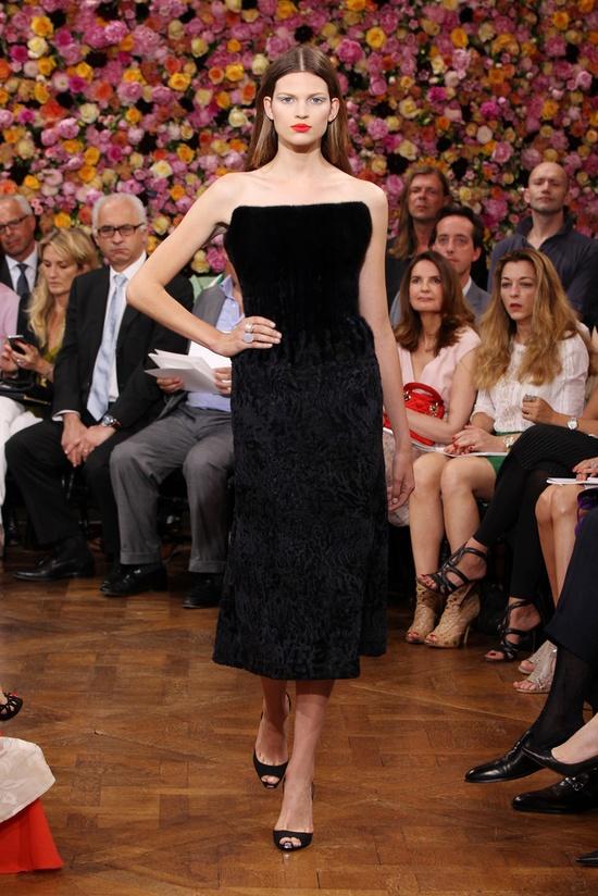 l'exposition de robes noires