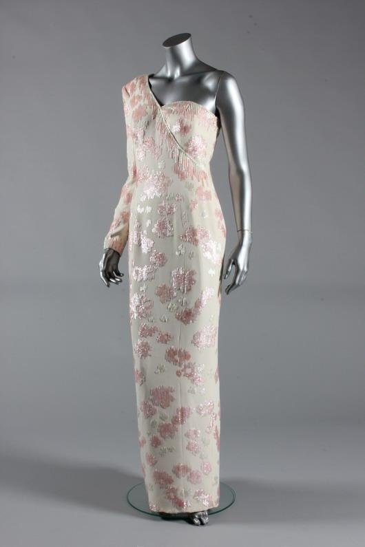 robe à sequins et à seule épaule de Diana lors de sa visite à Brésil