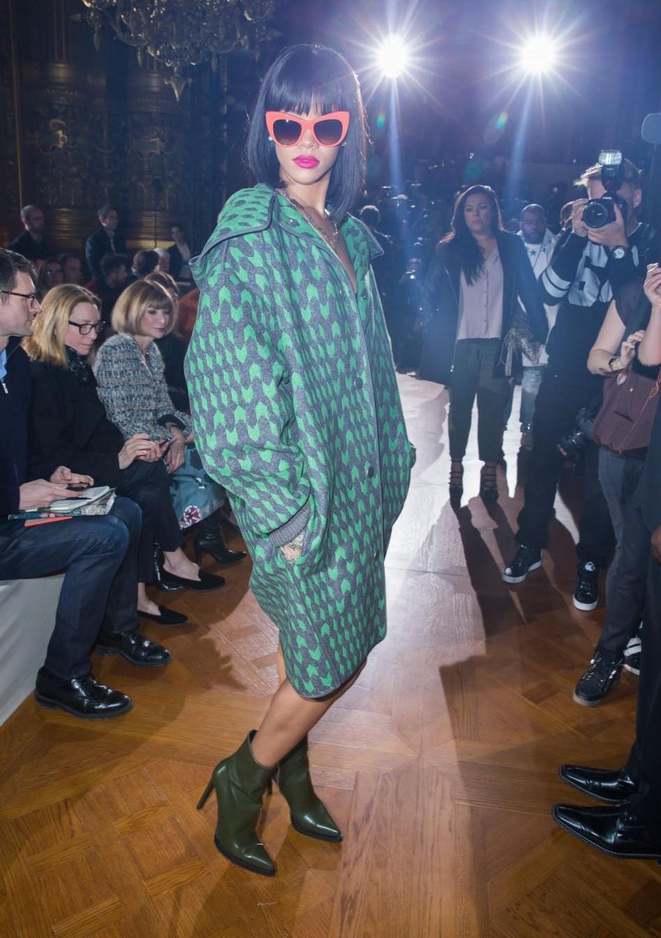 Rihanna assiste au défilé Stella McCartney automne-hiver 2014/2015