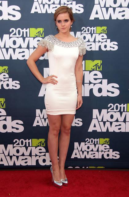 Emma Watson a fait son effet avec sa mini robe blanche
