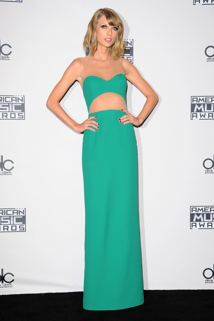 Taylor-Swift-en-Michael-Kors-aux-American-Music-Awards