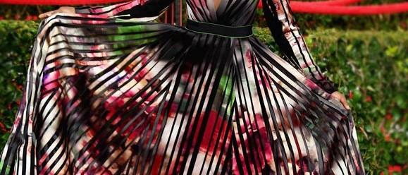 Le retour des robes à plis. (II)