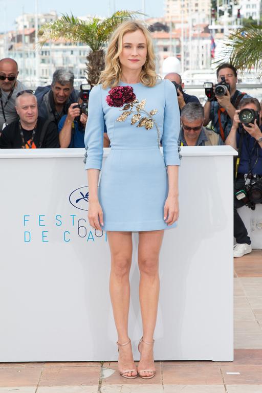 robe-courte-fleuri-Diane-Kruger-au-68eme-festival-de-Cannes