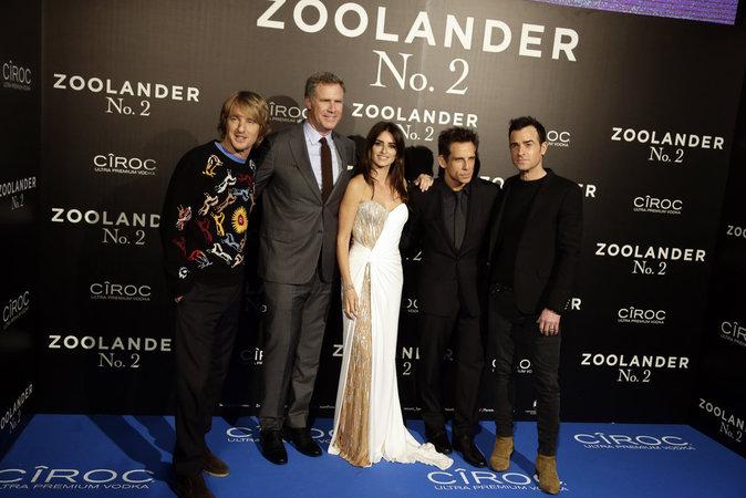 L-equipe-de-Zollander-2-a-mis-le-feu-sur-tapis-rouge