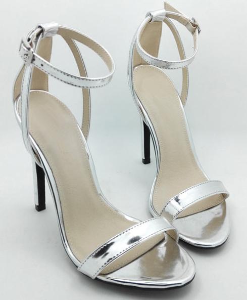 sandales-argentee-a-talon