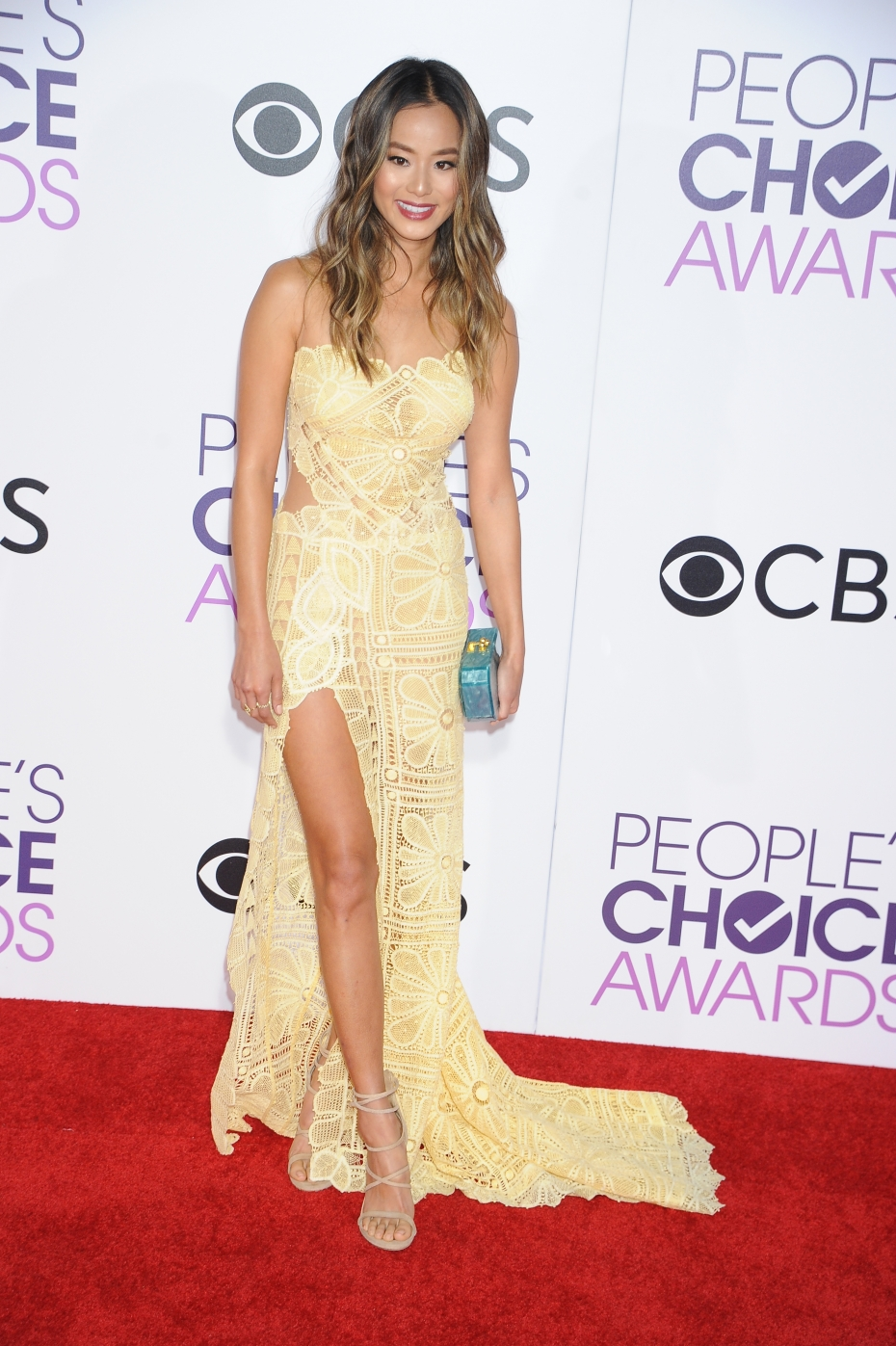 jamie-chung-aux-people-s-choice-awards-2017