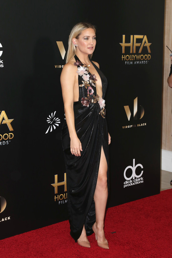 Kate-Hudson-2016-Hollywood-Film-Awards-Red-Carpet-Fashion-Marchesa