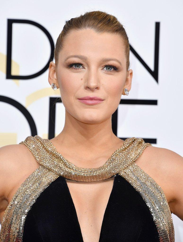 Blake-Lively-Makeup-Hair-Golden-Globes-2017