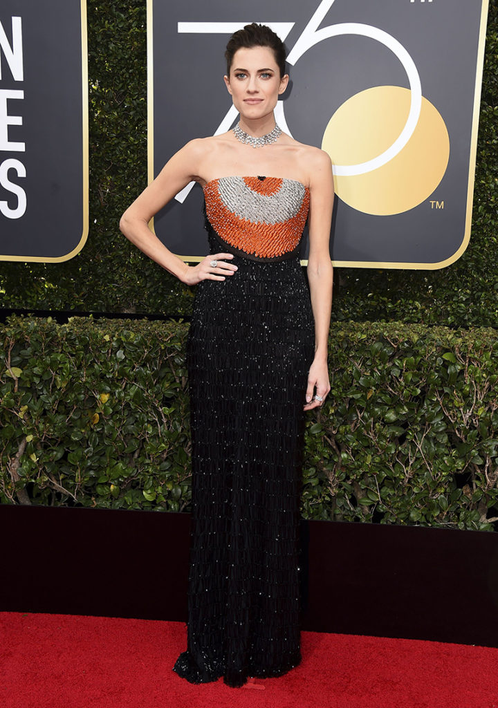 robe de ceremonie noire de Allison Williams au 2018 Golden Globe