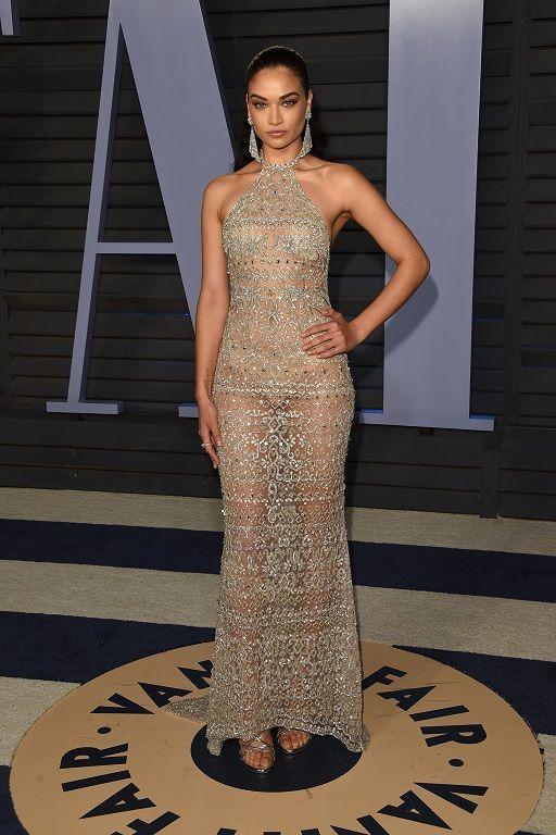 robe sexy de soirée transparente Shanina Shaik