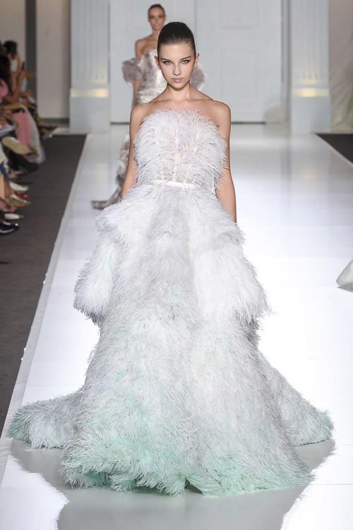 Robe blanche signée Ralph & Russo Couture