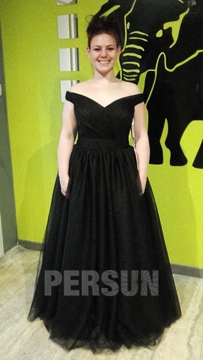 robe de soirée noire princesse longue épaule dénudée