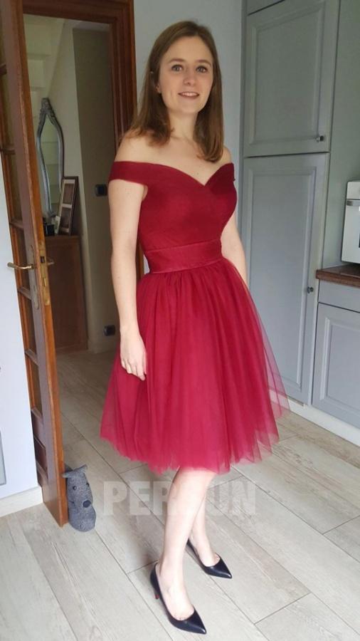 robe rouge habillée courte épaule dénudée en tulle
