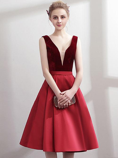robe-de-soirée-rouge-courte-col-en-V-plongeant