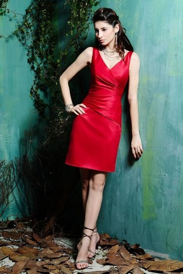 chic robe de soirée courte rouge col V