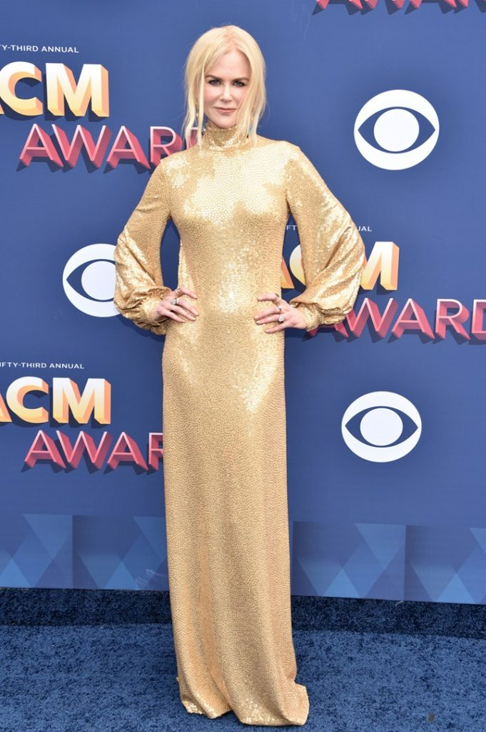 robe de star Nicole Kidman en sequins d'or
