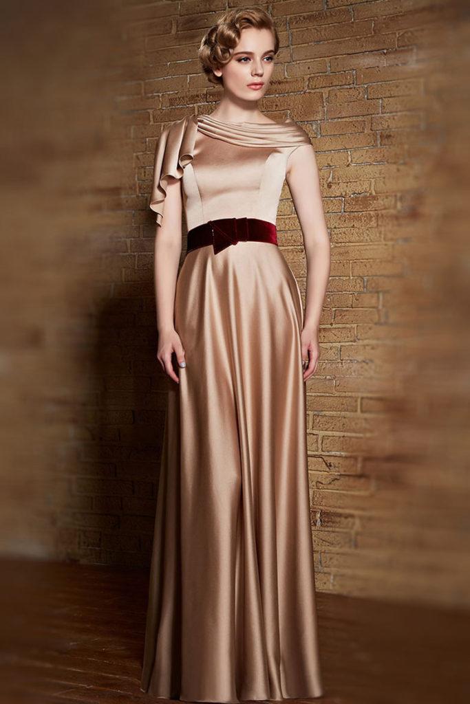 robe de soirée champagne avec ceinture bordeaux