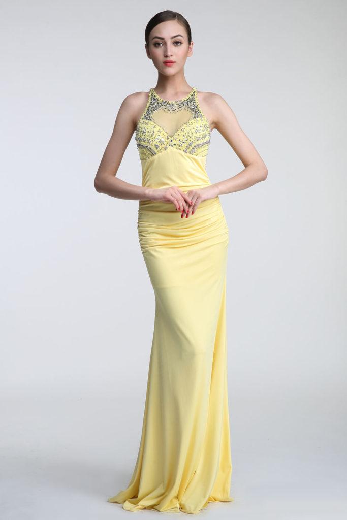 robe de soirée jaune fourreau orné de strass