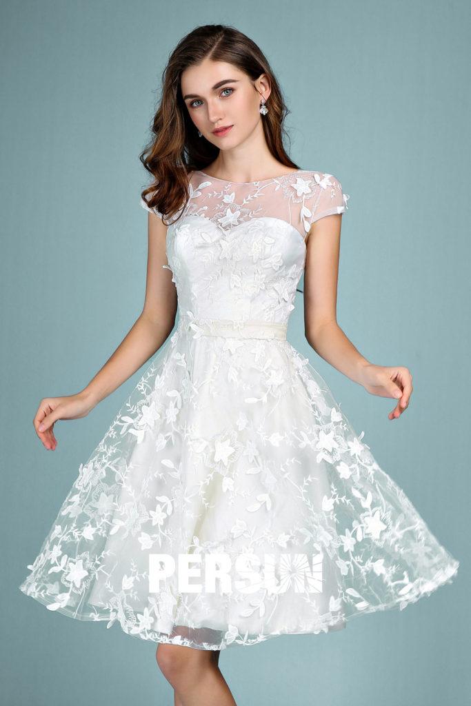 robe de soirée blanche courte dentelle florale 3D