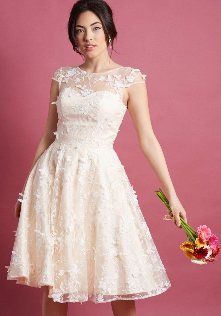 robe de soirée courte florale encolure illusion 2019