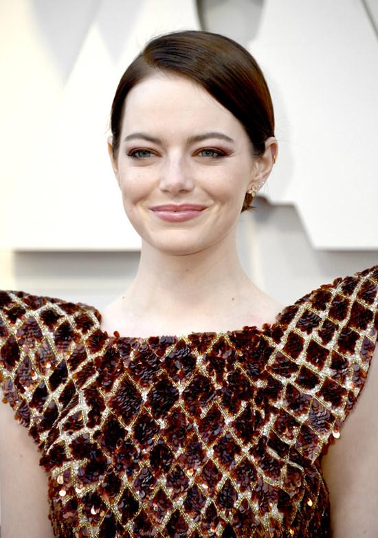 maquillage lumineux et frais Emma Stone aux Oscars 2019