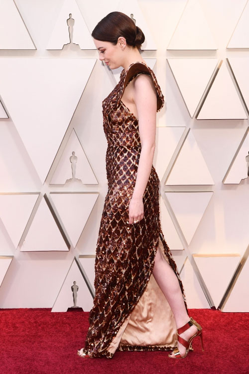 robe écaillé fendue Emma Stone aux Oscars 2019