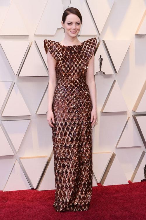 robe de soirée longue colonne en sequin Emma Stone aux Oscars 2019