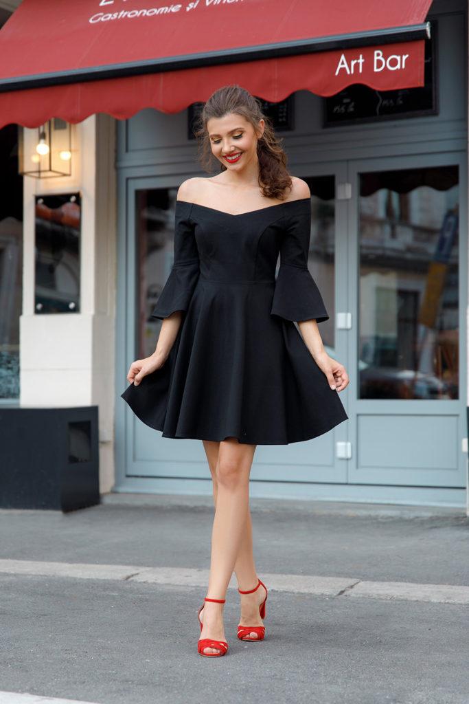 robe de soirée noire courte à manche épaule dénudé