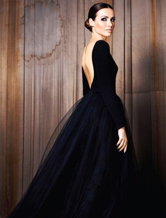 robe de soirée noire avec manche dos nu