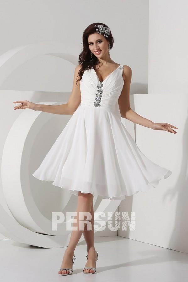 robe de soirée blanche courte avec voilage