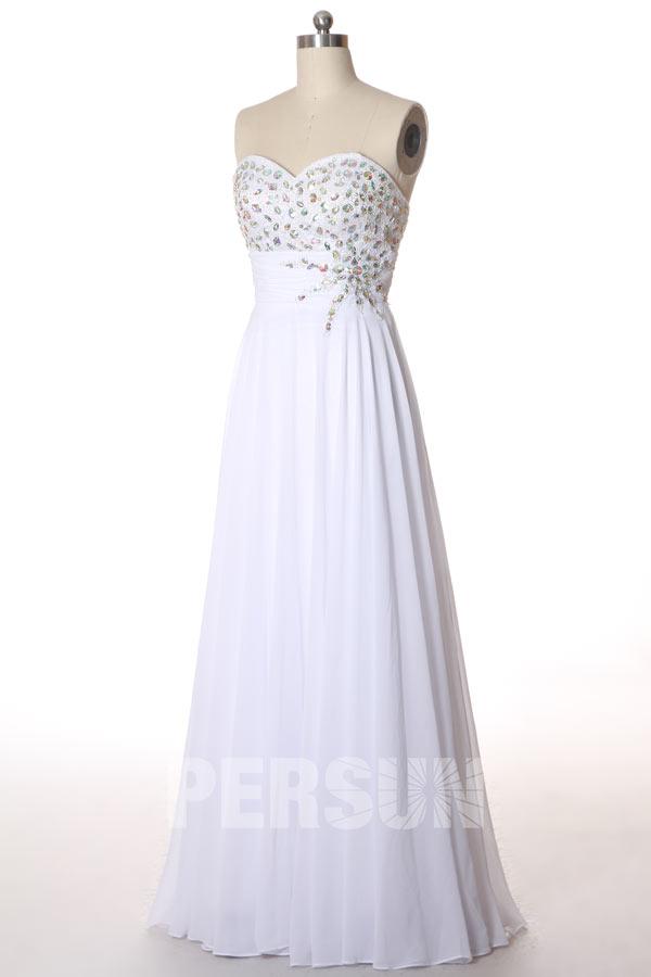 robe de soirée blanche bustier coeur embelli de strass