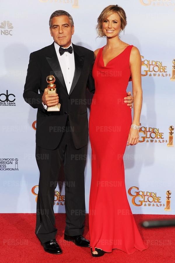 Robe de star Stacy Keibler rouge sirène col bénitier