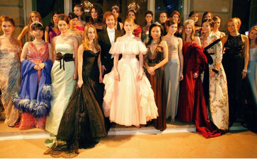 Pourquoi pas posséder une robe de soirée chic et élégante ?