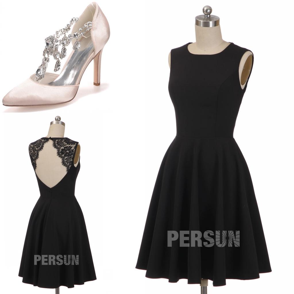 petite robe noire classique dos ouvert ornée de dentelle