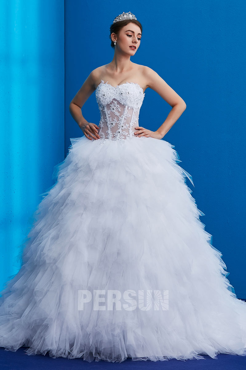 Robe de mariée longue bustier coeur plume